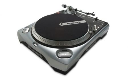 Toca Discos Numark TT 200 (Semi-Novo)